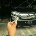 Ahli kunci hilang dan duplicat all new Toyota Camry Vellfire alphard pak Sony Surabaya sukses full 085102644825